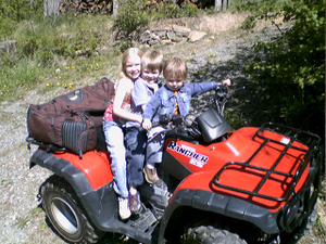 Kids_on_quad