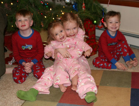 Kidschristmasevepjs06